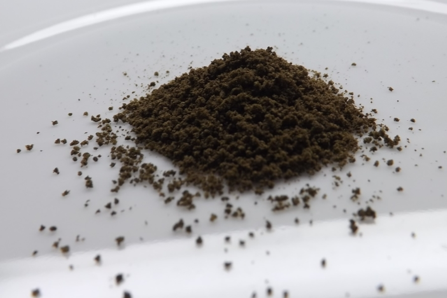 Black Poison Hash Review Feature Image Full Size