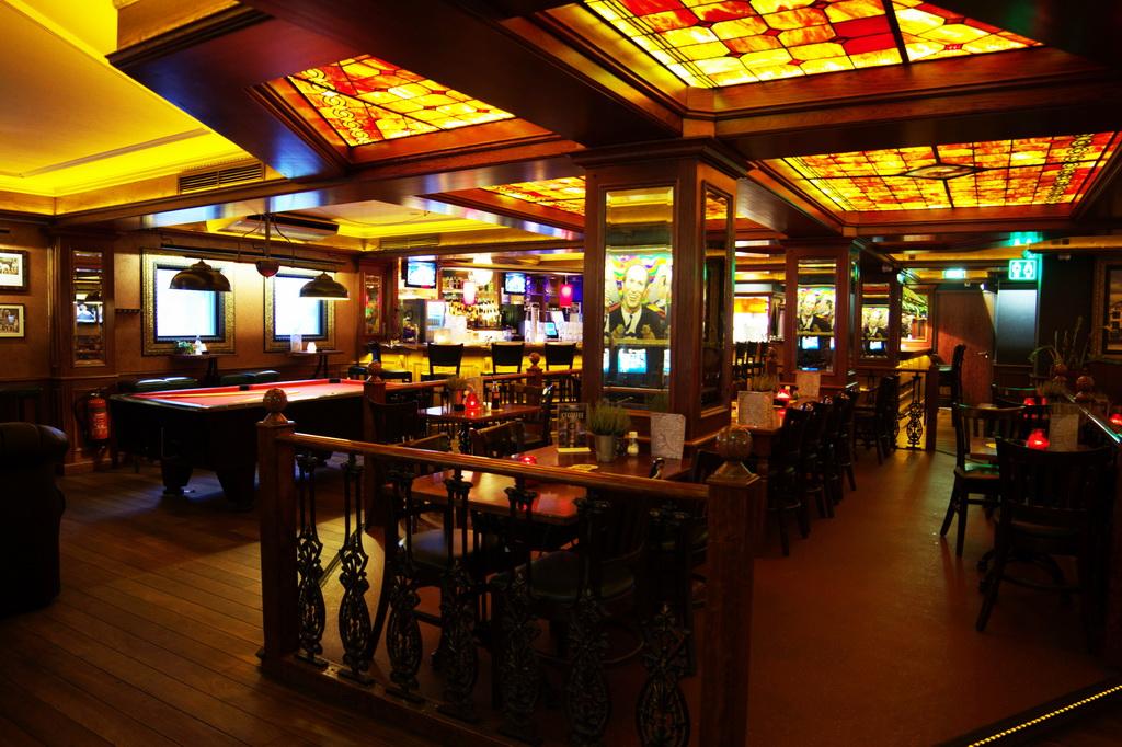 Hotel_Lounge
