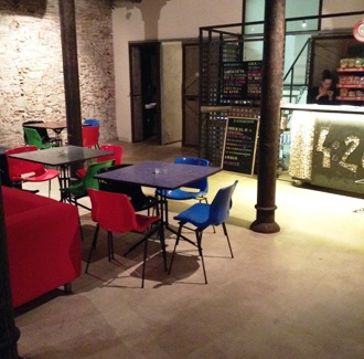 Ascociacio 420 in Barcelona - seating areas