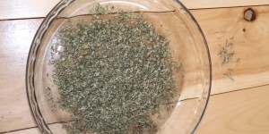 Separate marijuana and stems when grinding