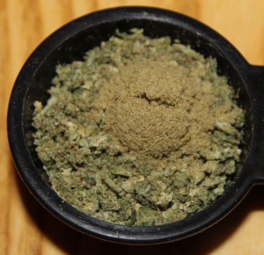 Mix kief and weed for Hudson joint