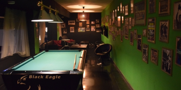 Billiards table at Weeds cannabis club barcelona