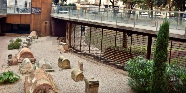 Roman graves outside Creme de la Creme club