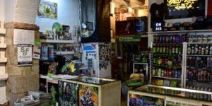 Counter at Santa Maria Grow Shop Barcelona