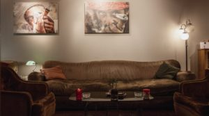 Couch with Moroccan men - Circulo cannabis social club review