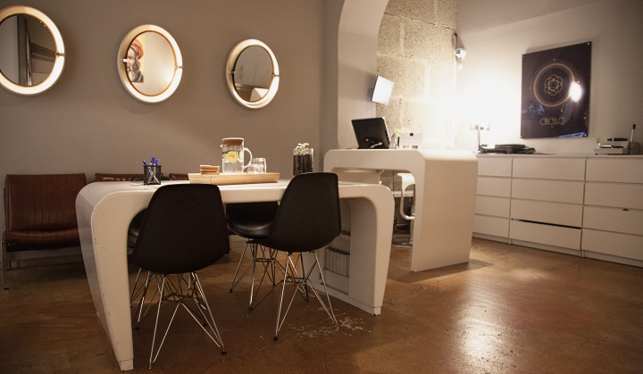 Reception area at Circulo