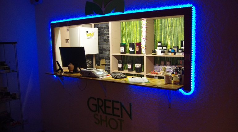 Madrid Cannabis Club Review: Green Shot