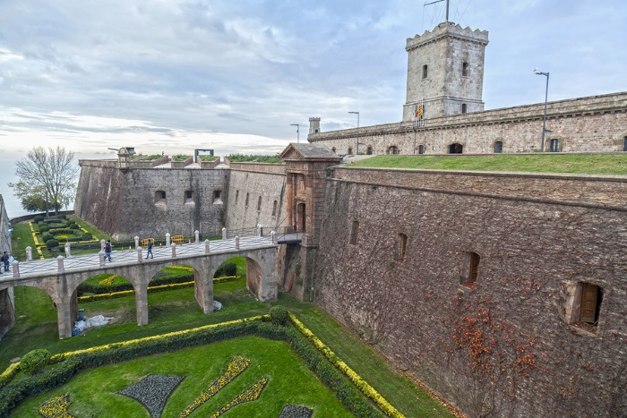 The Castle and Gardens of Montjuic in Catalunya - A Great Place to Smoke Weed in Barcelona